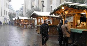 Mercatino di Natale di Arco, Trentino Alto Adige. Autore e Copyright Liliana Ramerini